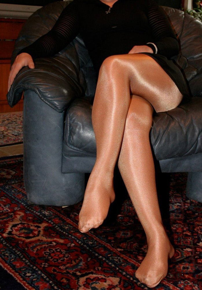 Men and women in shiny pantyhose, gril sex with boy videos
