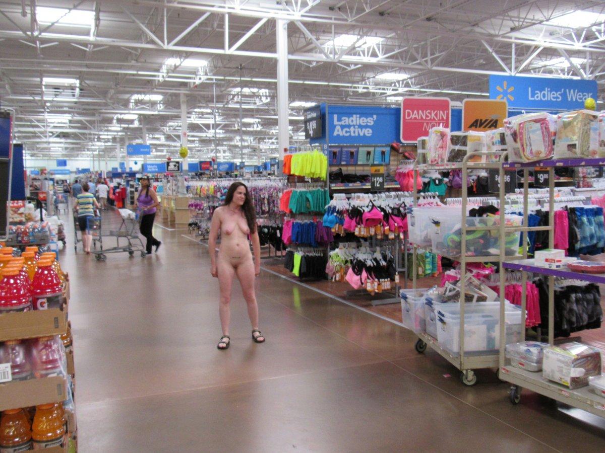 naked-women-in-walmart-old-mom-sex-galleries