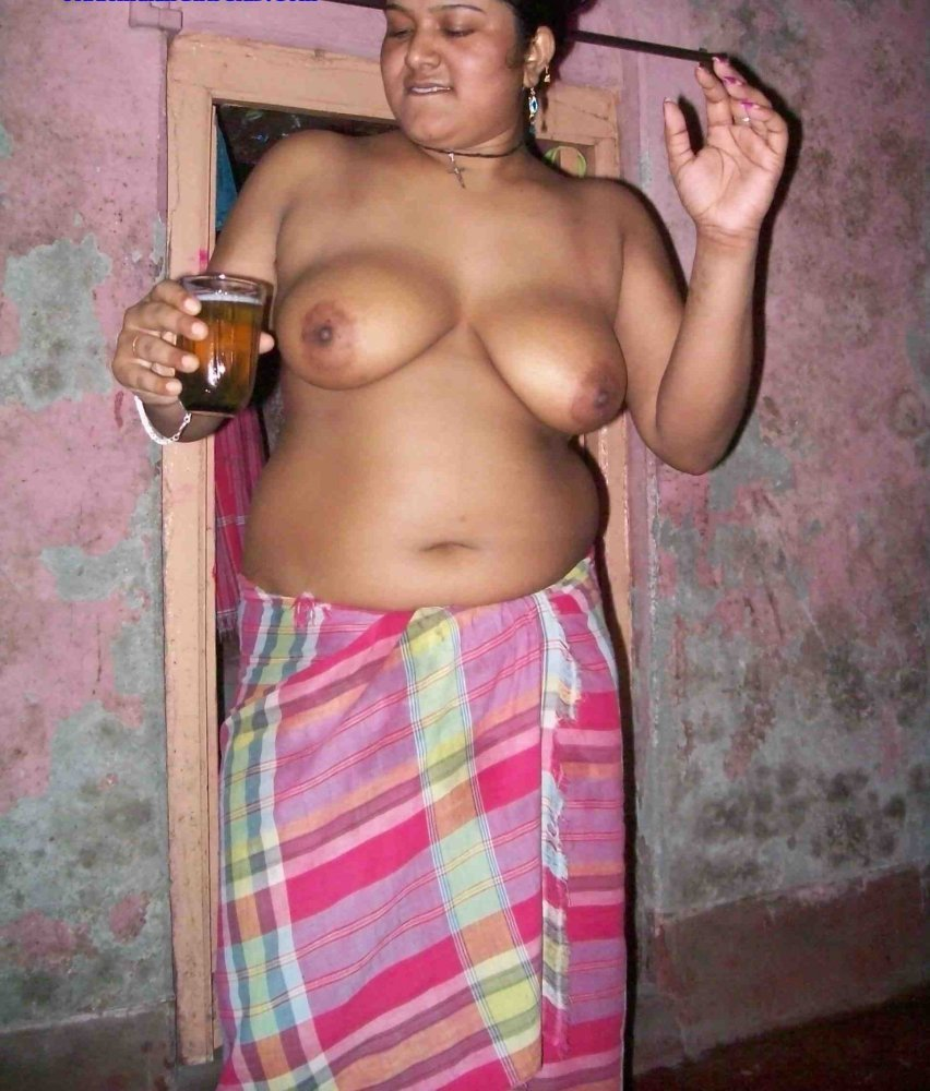 nude-indian-girl-in-smoking-amateur-threesome-video