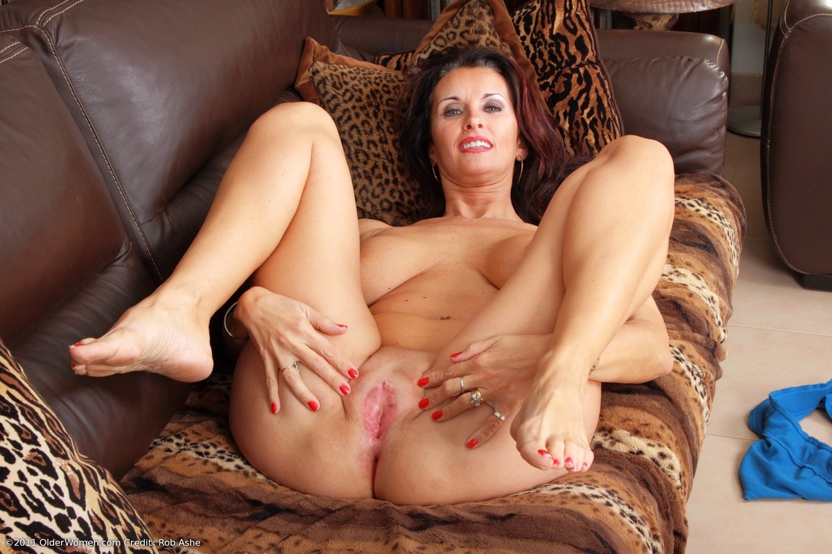 mature-mom-pussy-video