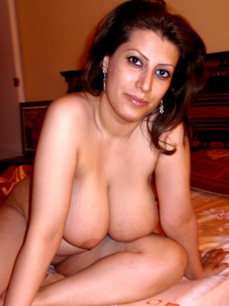 lebenon-women-nude-with-big-boobs