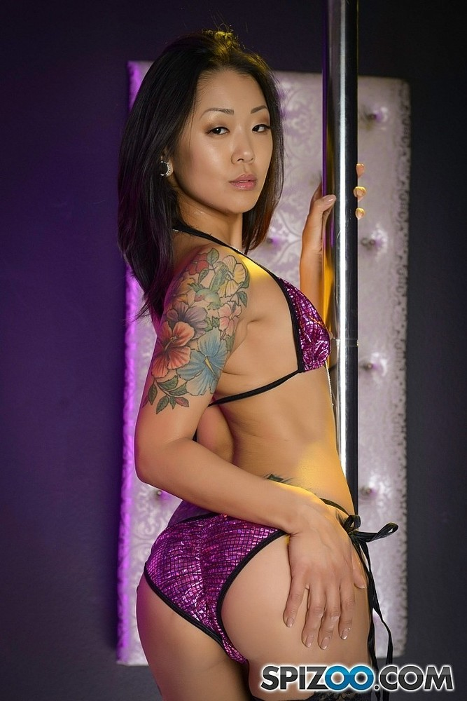 sexy-asian-strippers