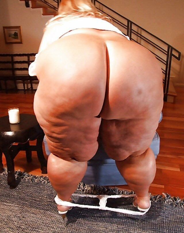 obese-naked-booty