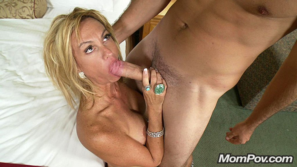 Amateur latina friends takes turns getting pounded 4