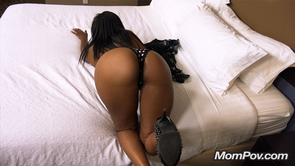 41 Year Old Hot Busty Big Booty Black Mom, Photo Album By Mom Pov - Xvideoscom-7083