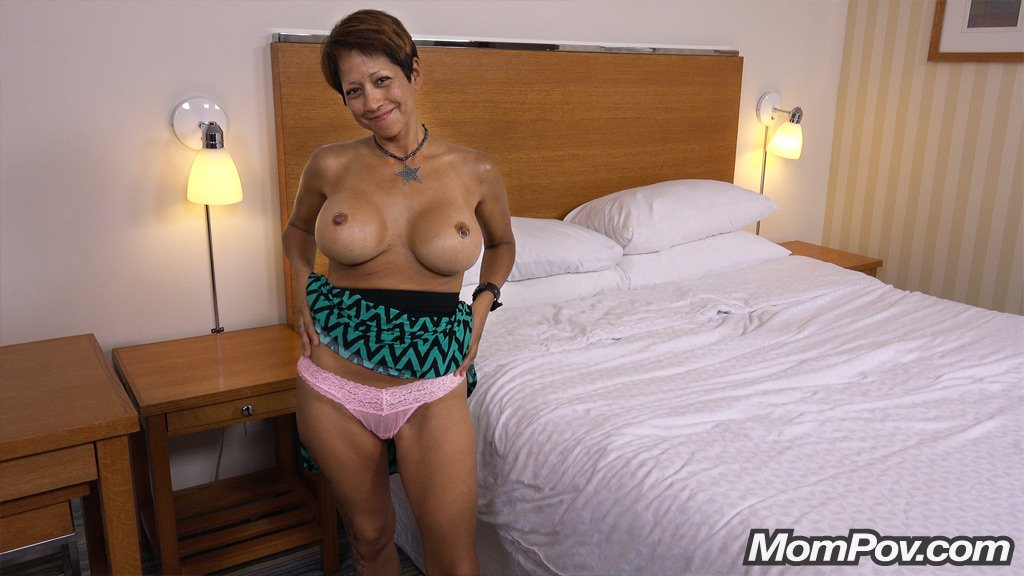 Ebony mom gets fucked