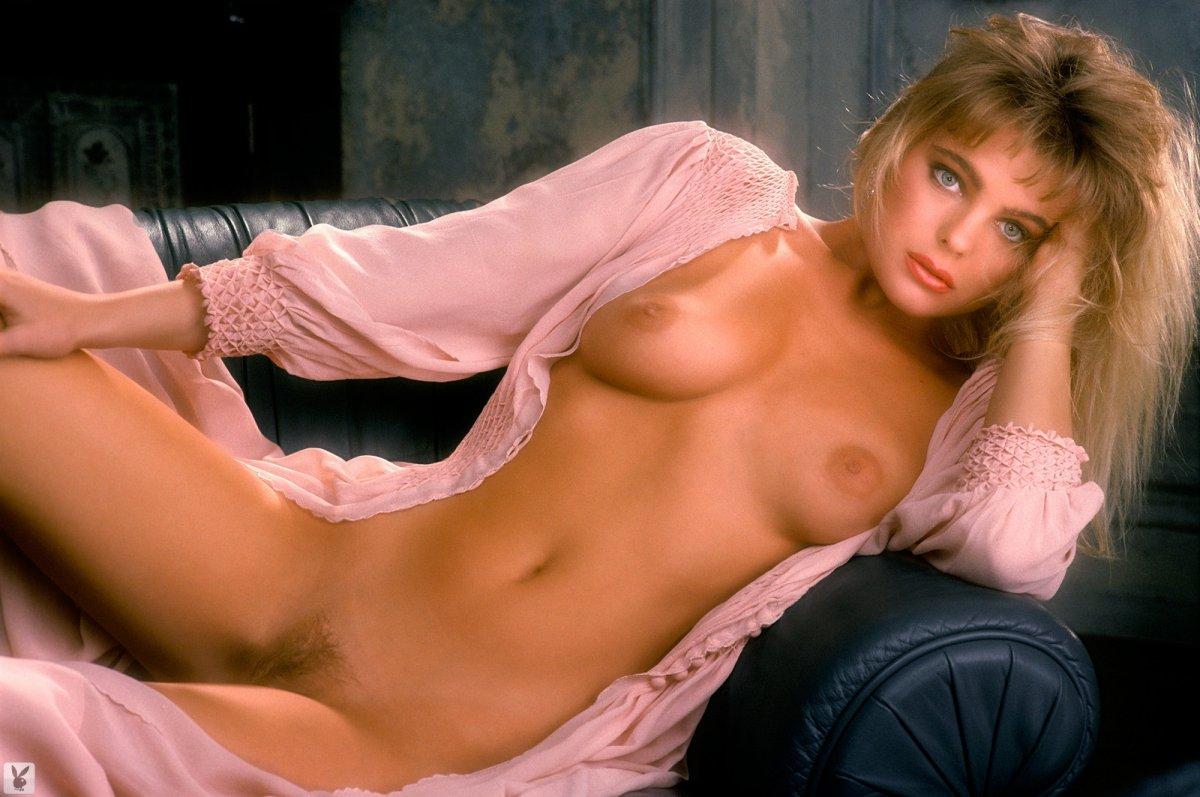 Eleniak nude chasers erika