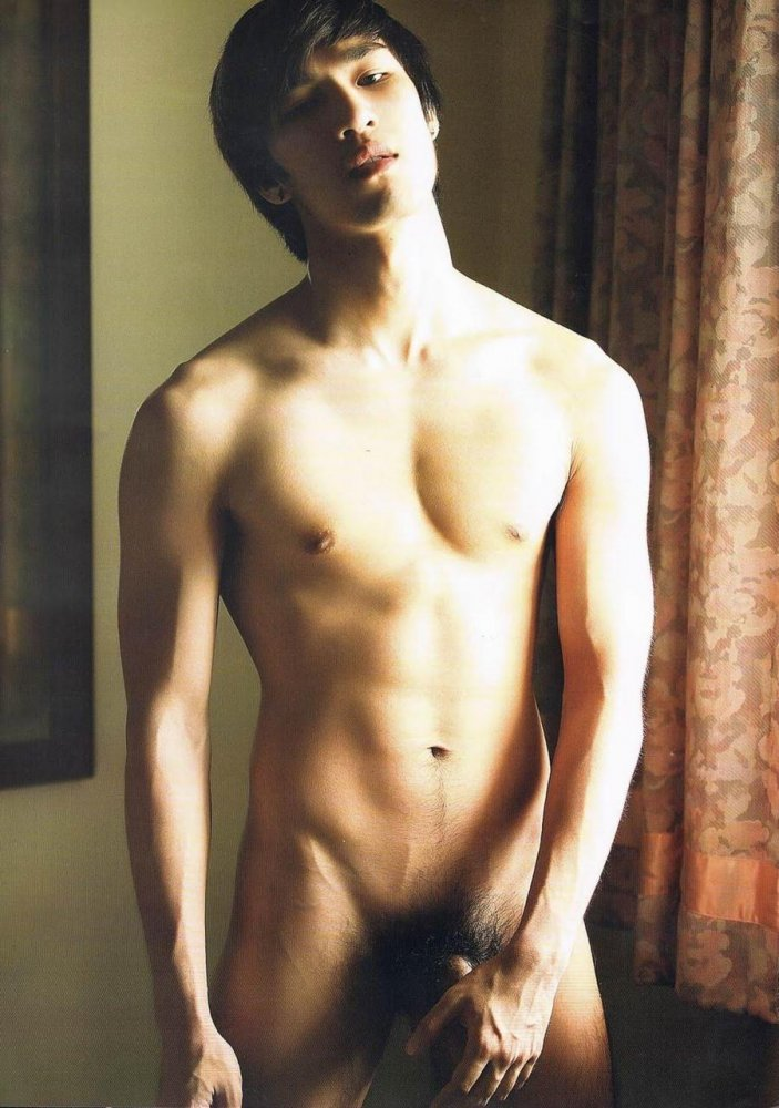Chinese guys nude 14