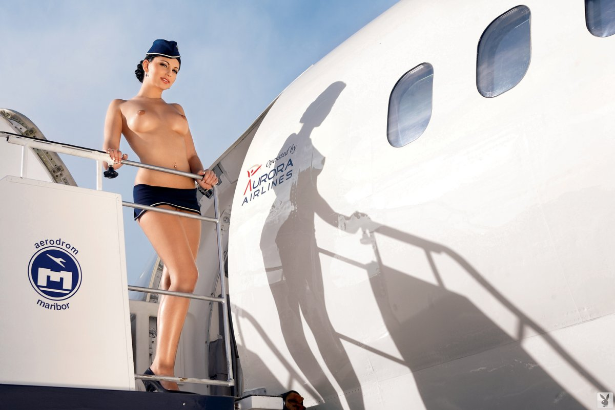 Hot nude airline — photo 5