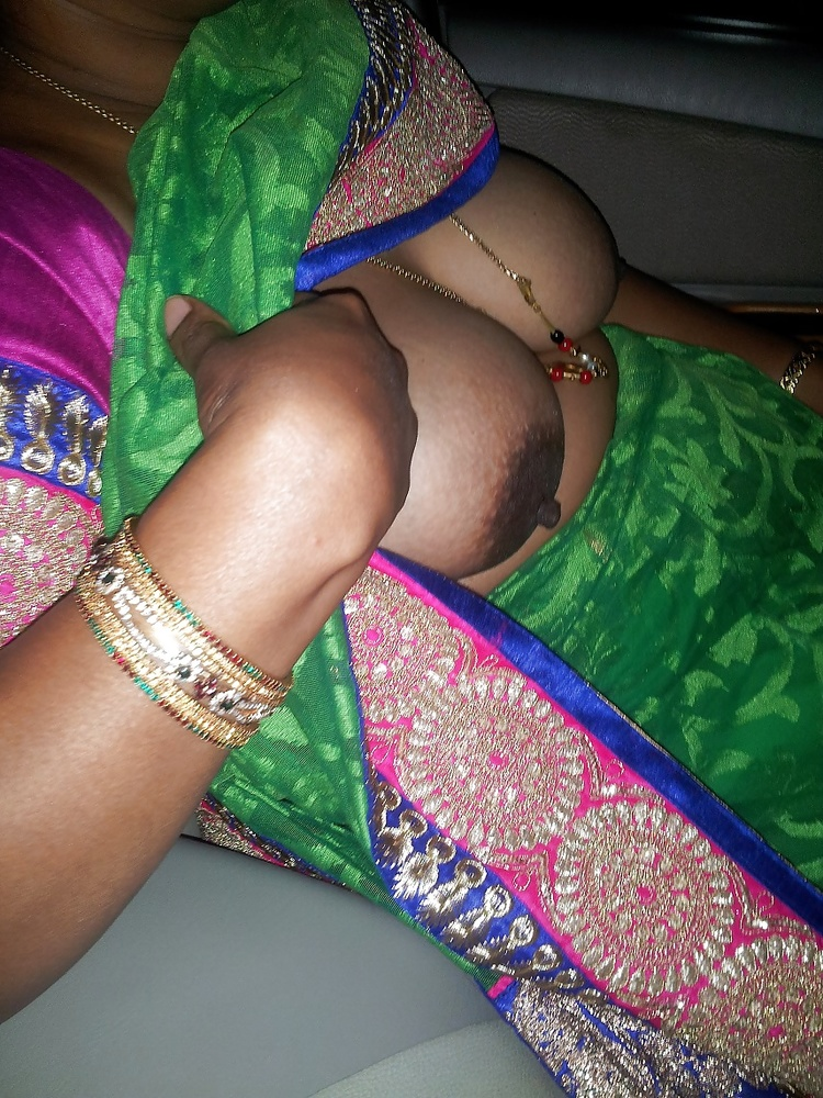 Desi mummy pussy in pattecoat — photo 14