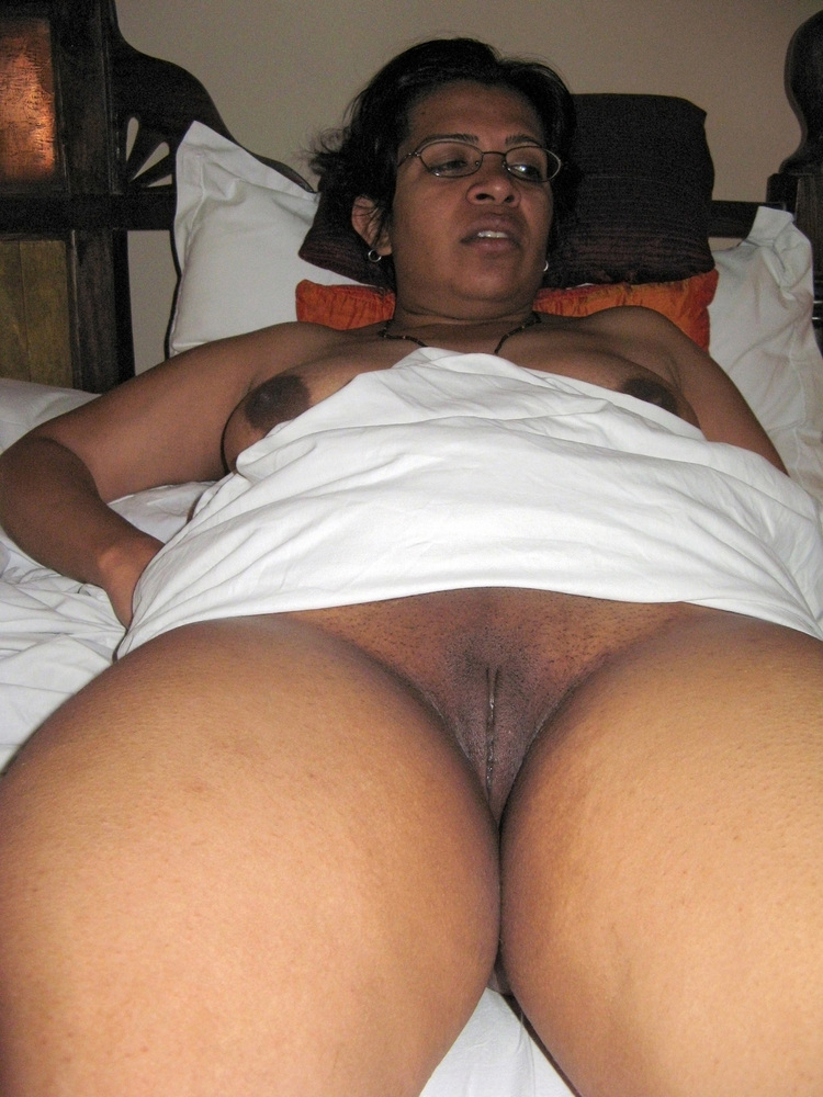 panties-in-woman-s-pussy-indian