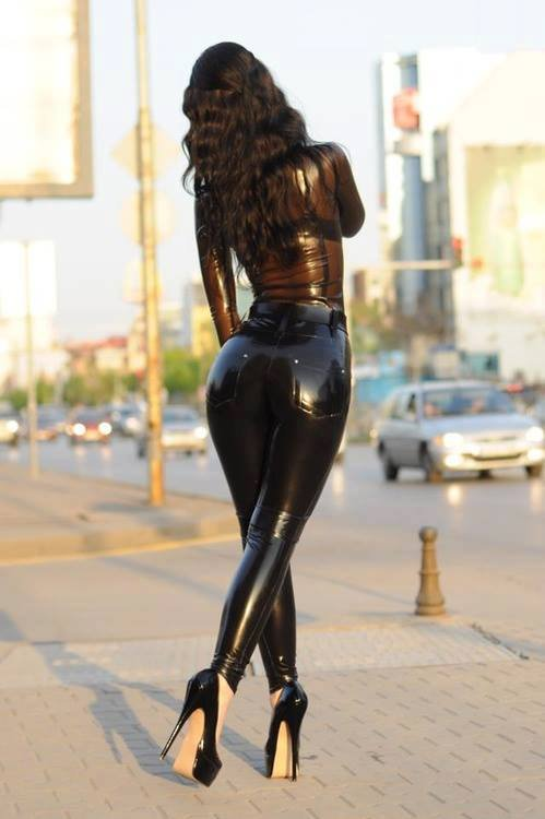 Latex black ass — 5