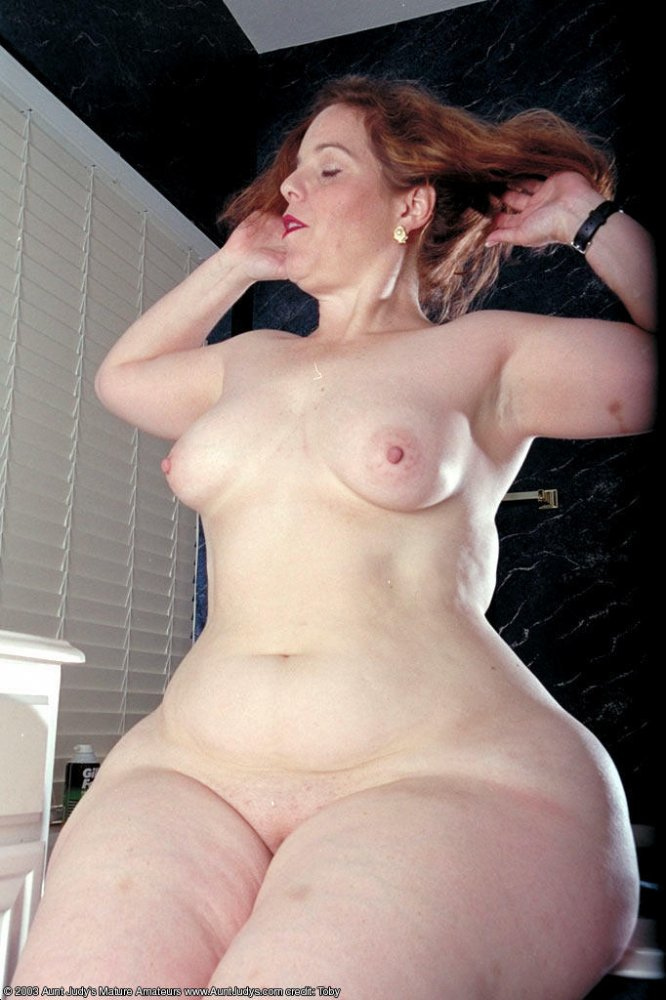 Super wide hips mature ssbbw nude opinion