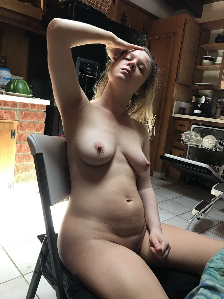 malayaly-nude-in-house