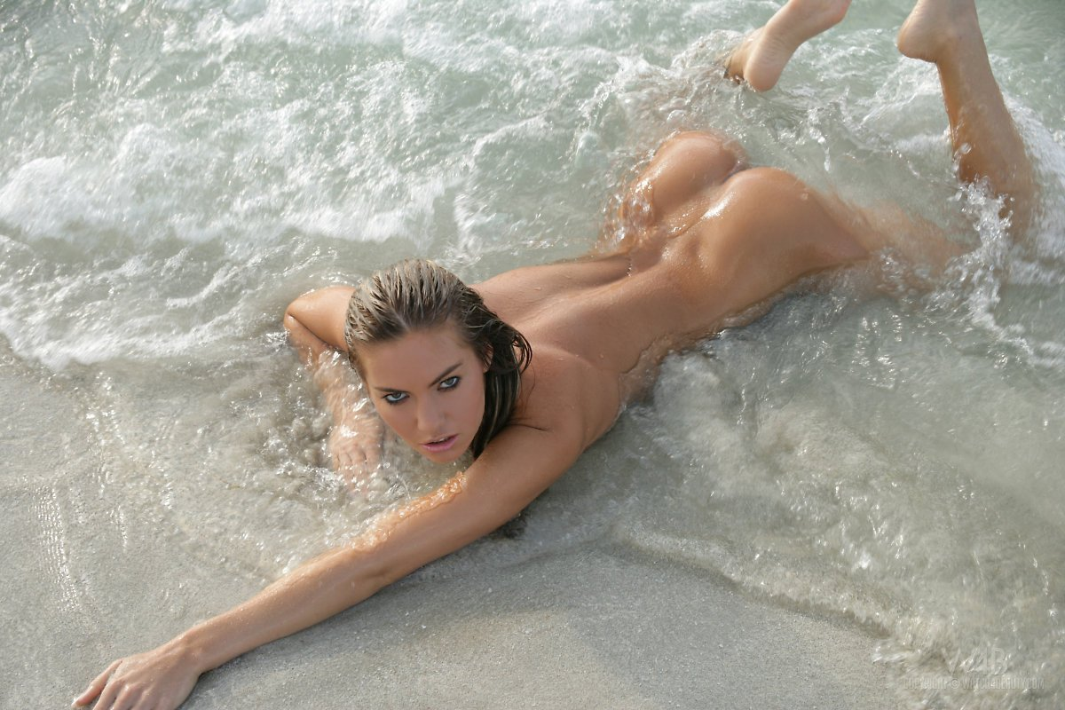 girl-really-wet-nude-russian