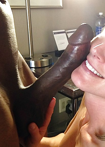 Amateur gets huge cock