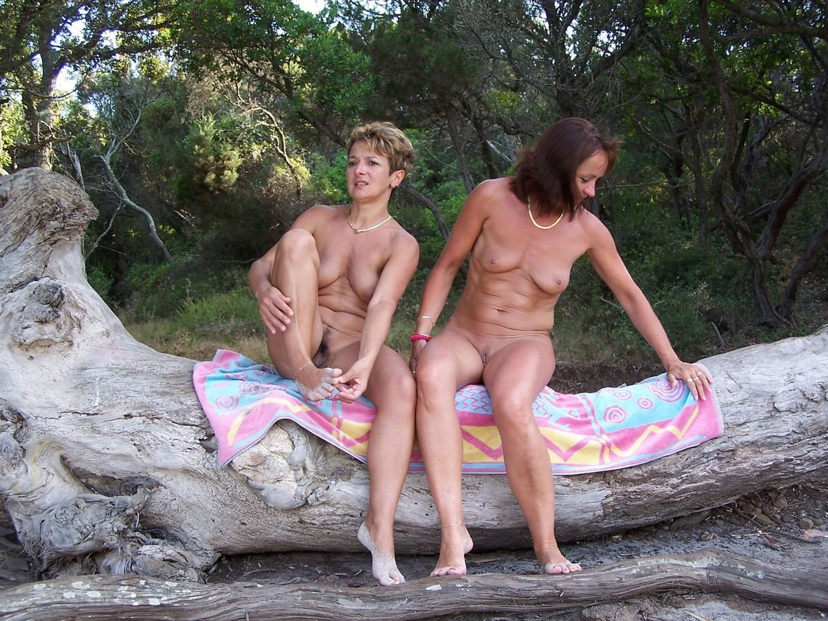 Mature nude vacation