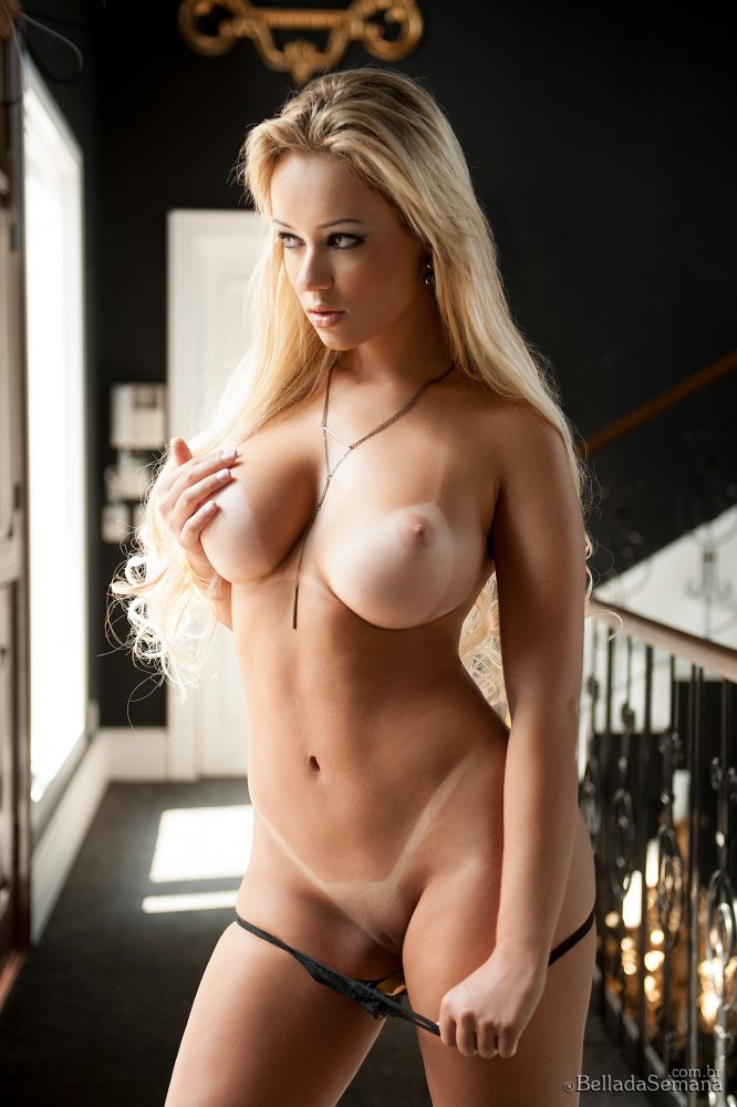 Galleries of hot nude chicks