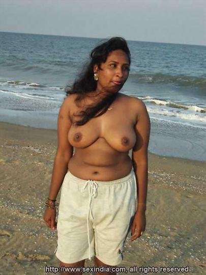 Tamil aunty nude black and white pic — pic 10