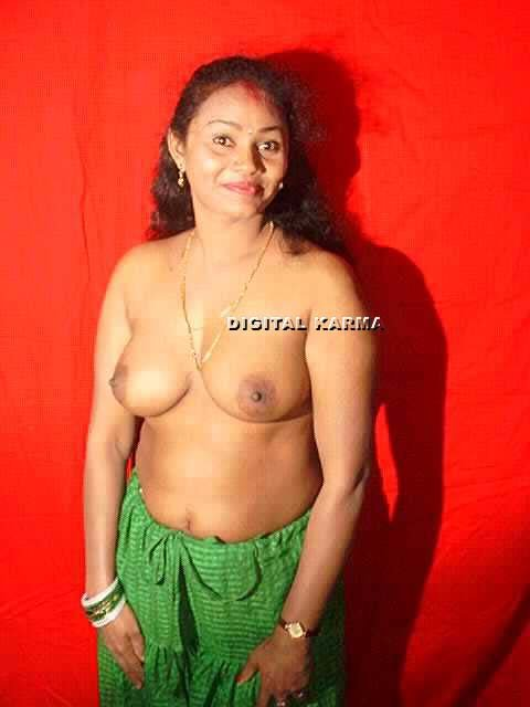 Fully maked mallu aunty