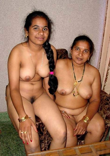 indian-family-naked
