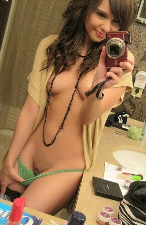 Teen sexting galleries, sexy french maid nude gif