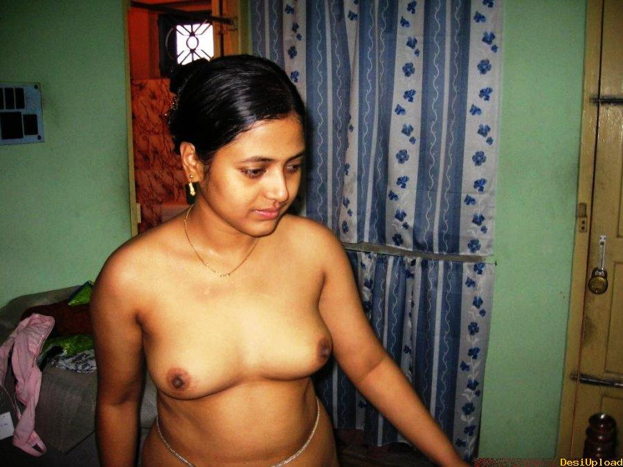 Kuwaiti girls nude pic — photo 3