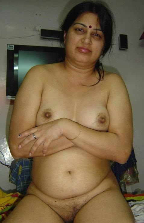 Old desi nude untyes — photo 4