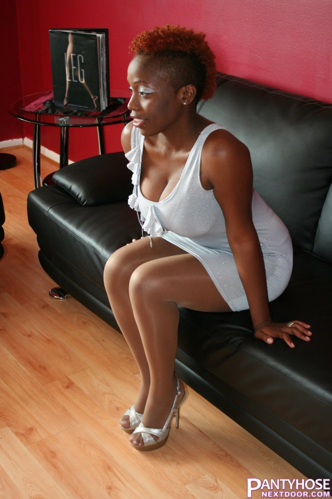 ebony pantyhose videos