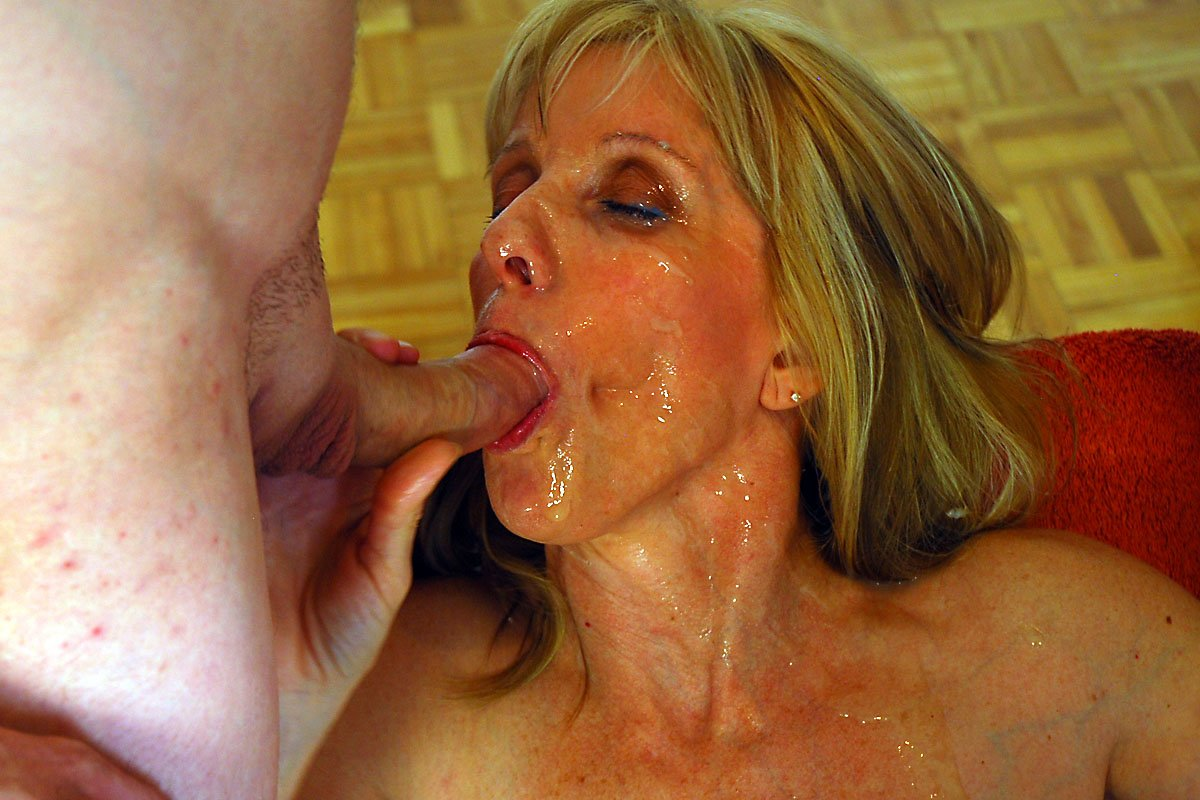 Free videos of mature cum swallowing cumshot ass