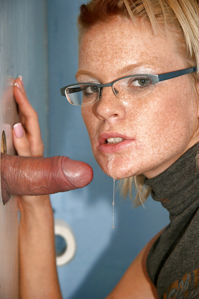 pissing-on-glasses-nude-texas-woman