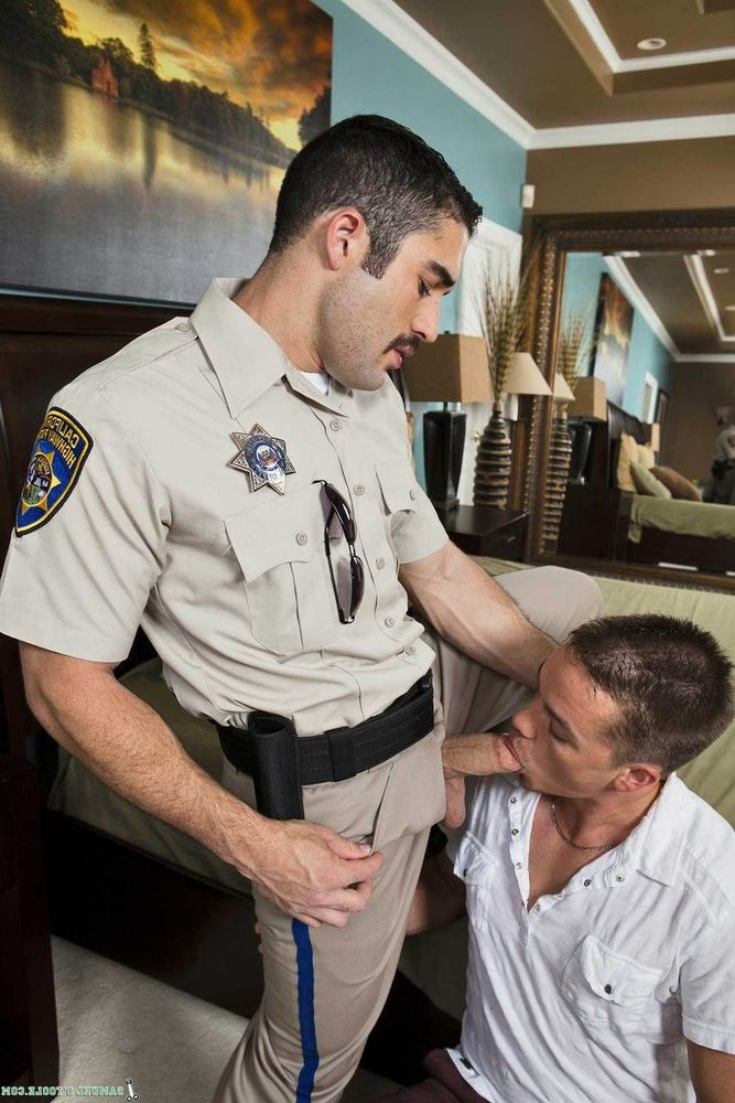 Hot male cops naked — pic 10