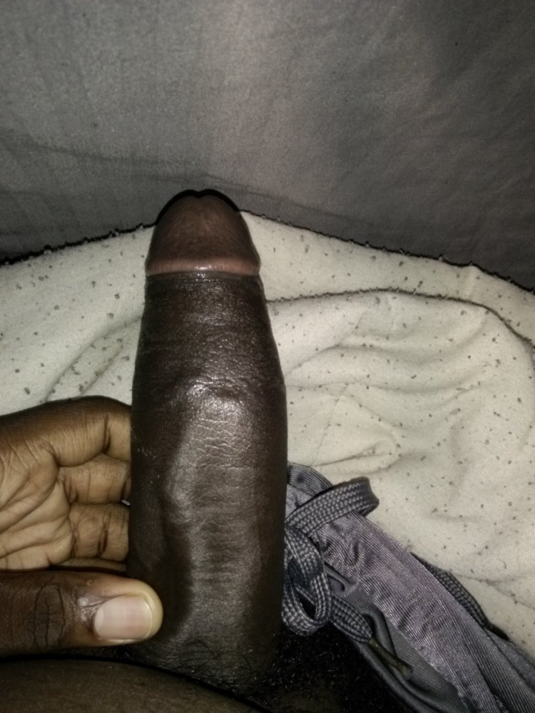 Free in pants pissing porn