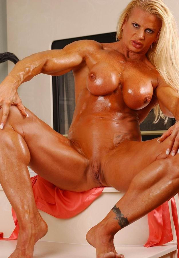 Female Bodybuilder Masturbates In Panties