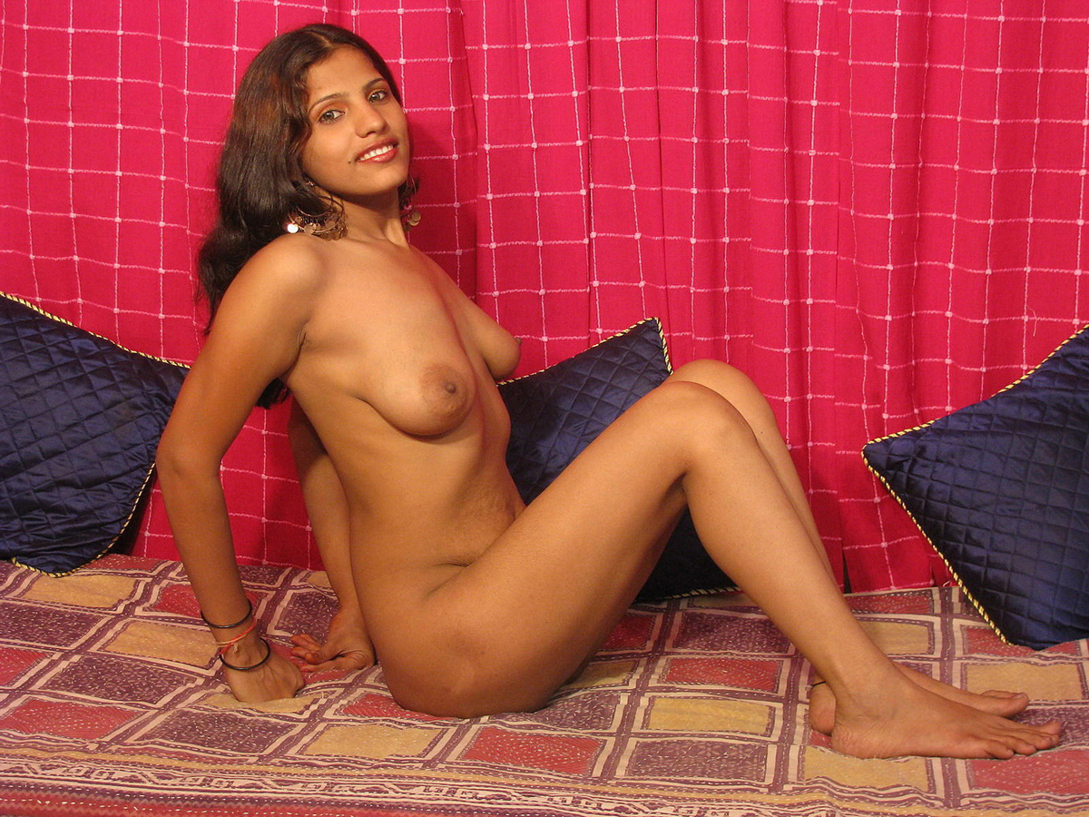 Young Indian House Wives Naked