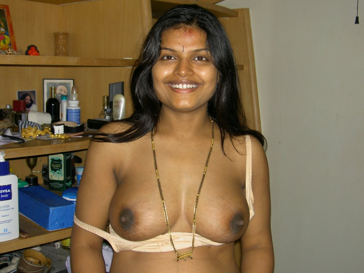 Tamil family girs nude pictures