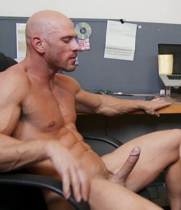 парня проскальзывают джонни порно актер покрепче взялась