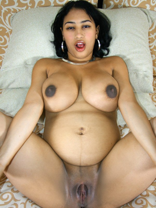 Amateur pregnant big breasts