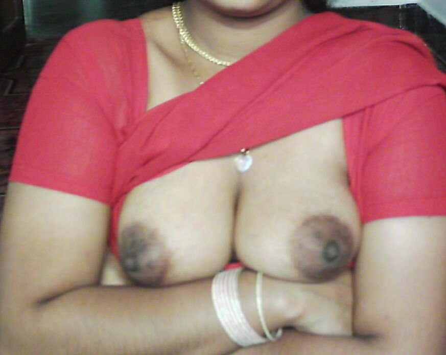 Monika aunty boobs — pic 9