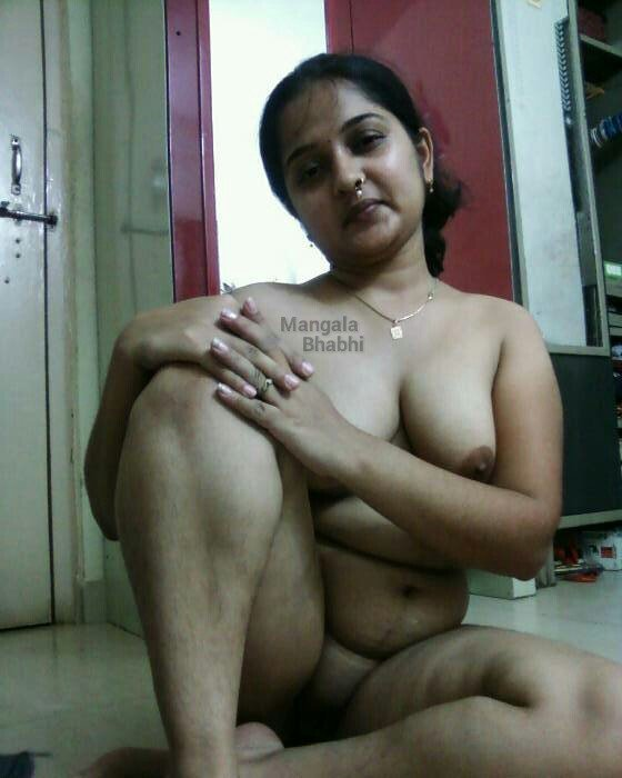Delhi aunty fucked putting oil in ass - 1 4