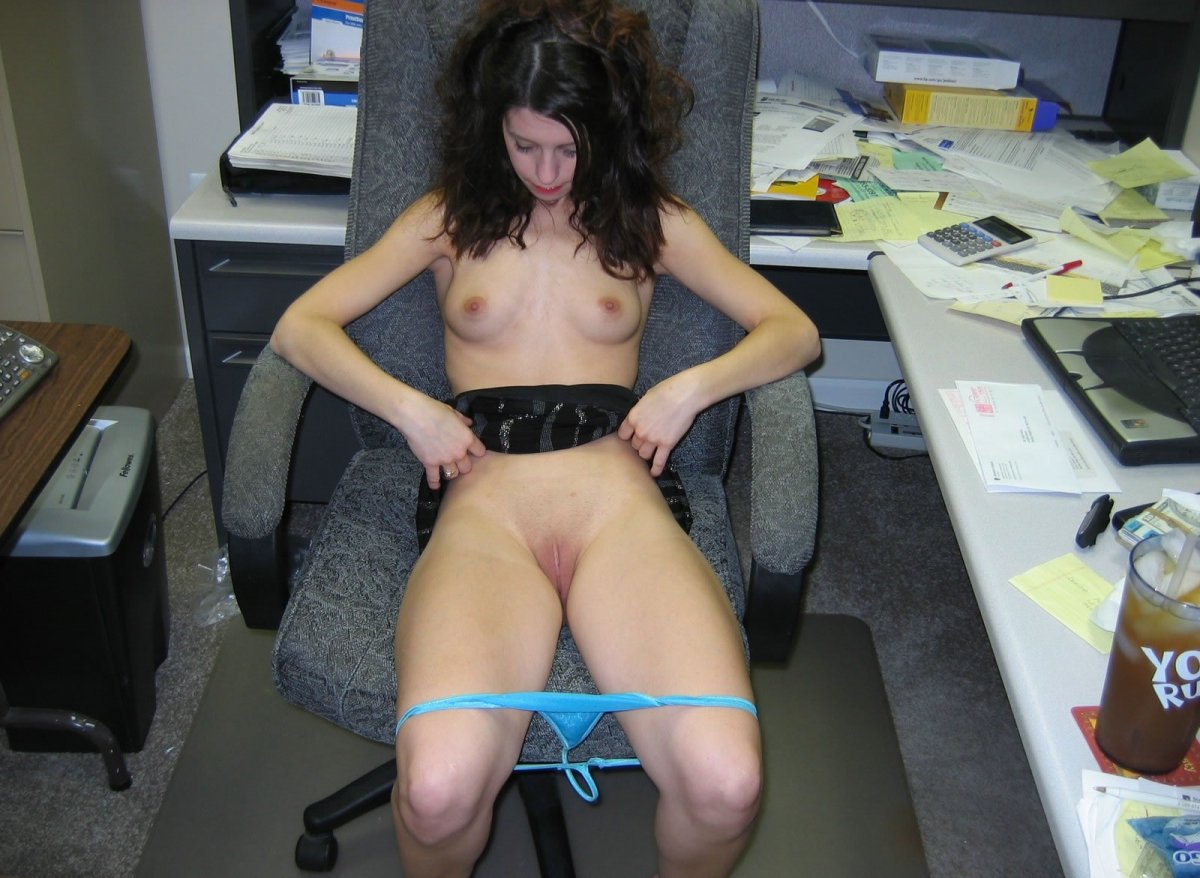 amatuer-sexy-office-worker-prison-blowjob-video
