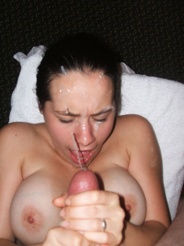 Amature huge tits cumshot