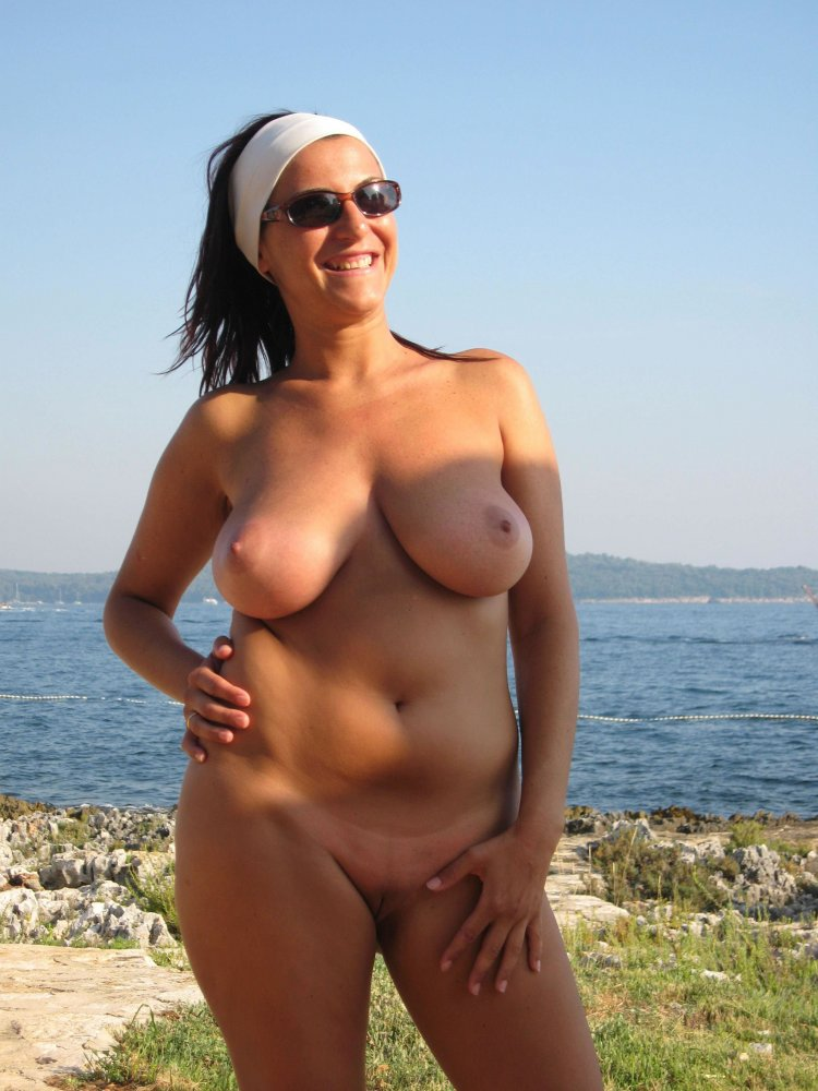 nude-cougars-on-beach