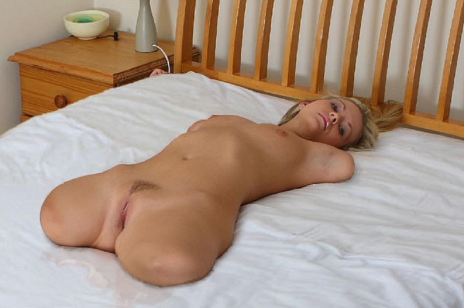 amputee-masturbates-nude-nature-quest-girl