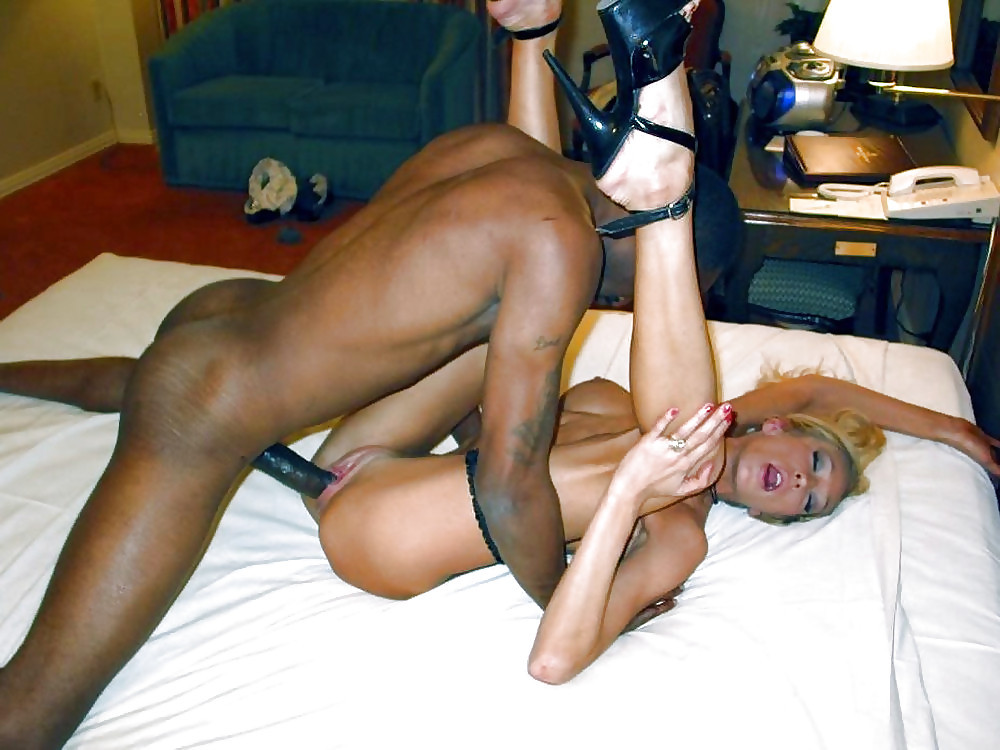 Husband and wife fuck black dick — pic 1