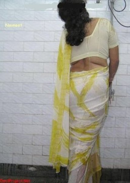 mallu-babes-having-sex-in-the-shower-close-pussy-naked