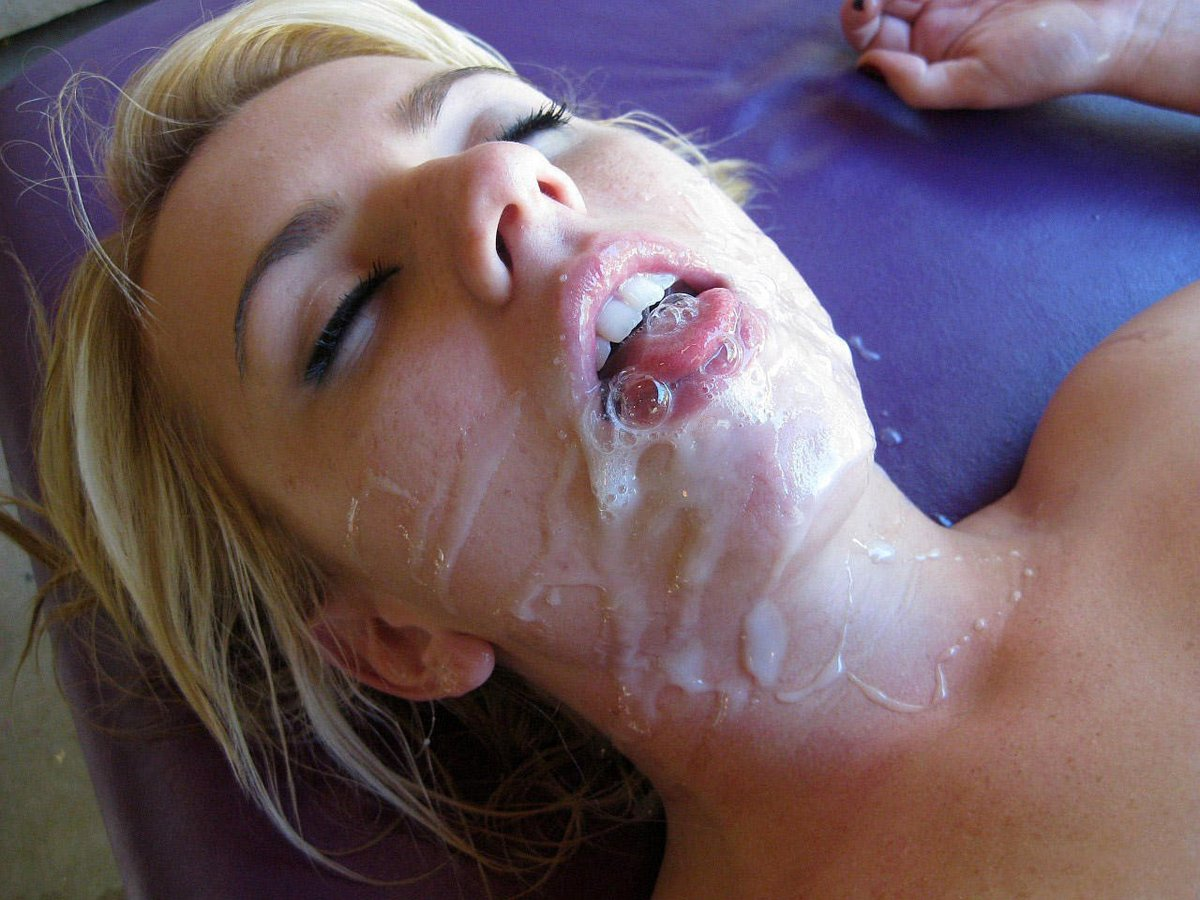 Cum on chin — photo 15
