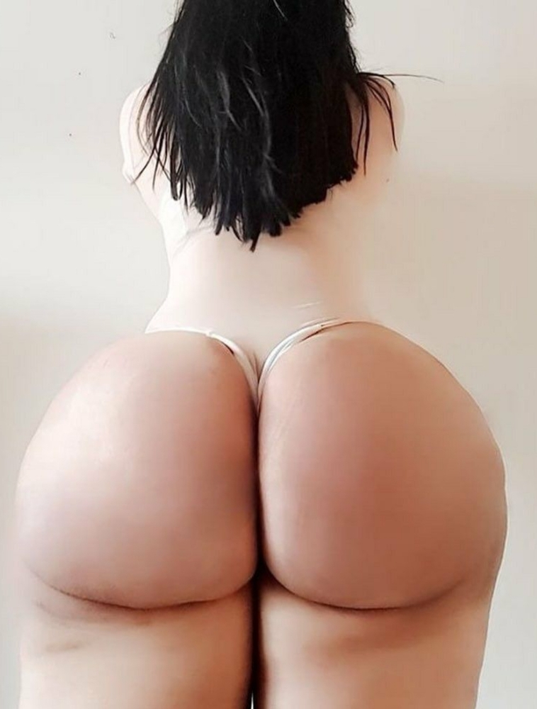 Sexy Naked White Girl With A Big Ass