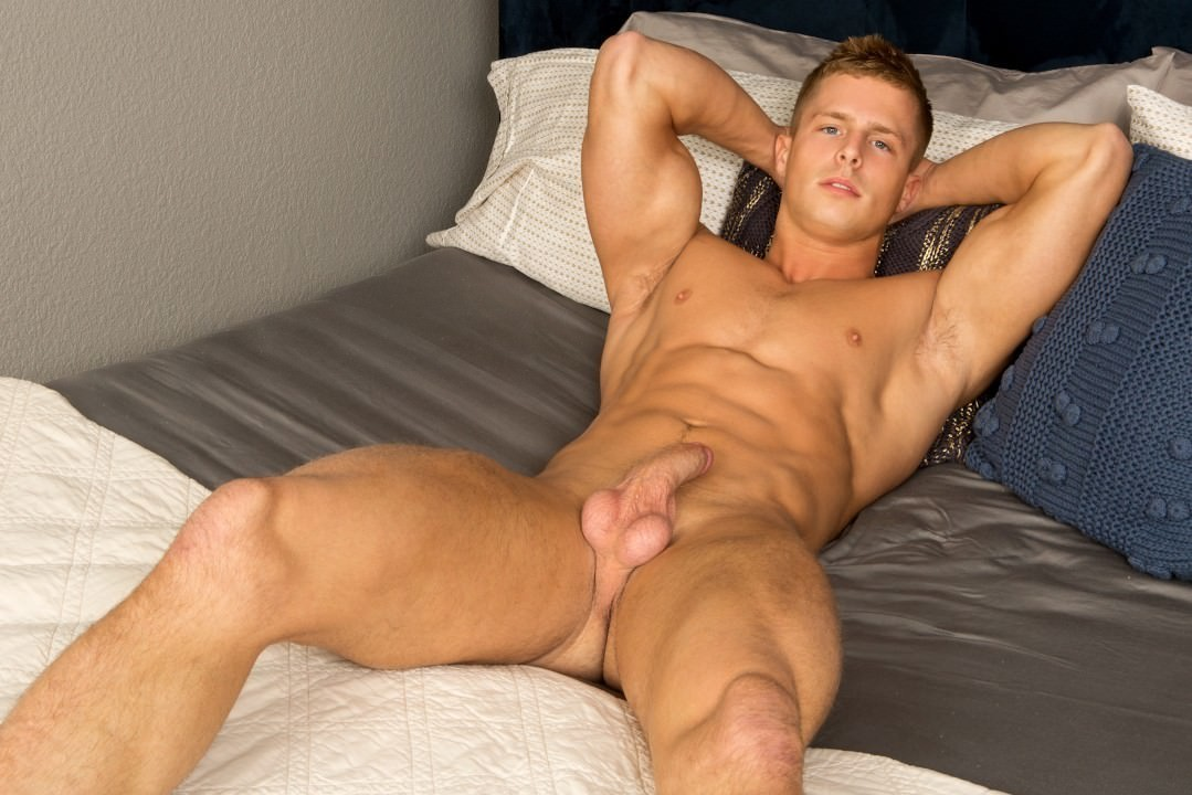 Straight guys free gay porn and nude men solo galery his hand leisurely