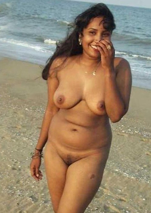 Porn hot indian babes in nude beach petticoat